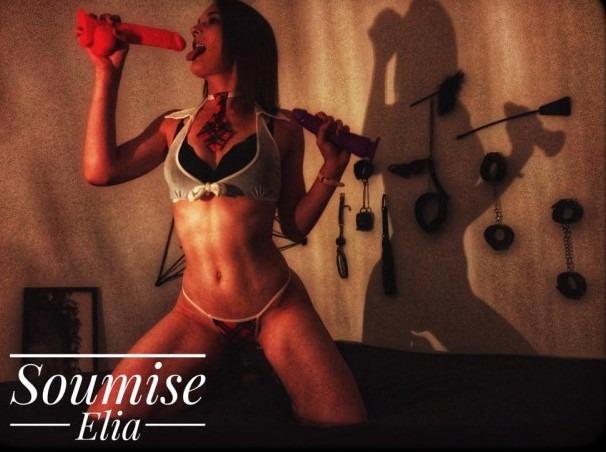 Cette française adore le BDSM